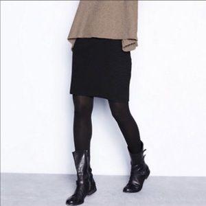 Eileen Fisher Black Mini Skirt Size Medium.
